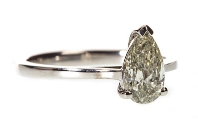 Lot 72-A DIAMOND SOLITAIRE RING
