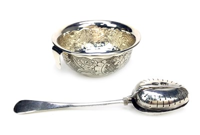 Lot 813-A TIFFANY SILVER TEA STRAINER AND A TEAETTE TEA INFUSER