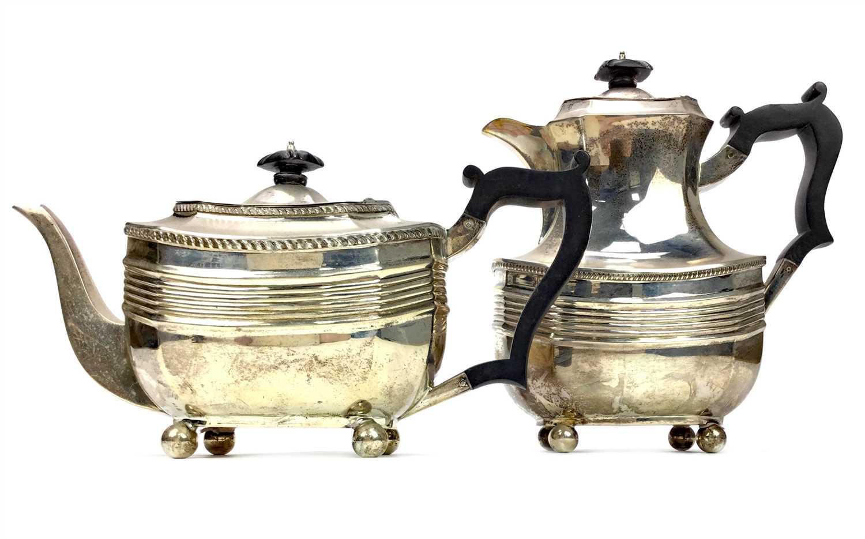 Lot 825 - A GEORGE V SILVER TEA POT AND COFFEE POT