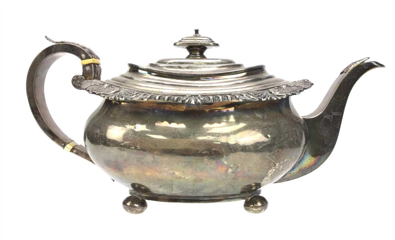 Lot 827 - A GEORGE III SILVER TEA POT