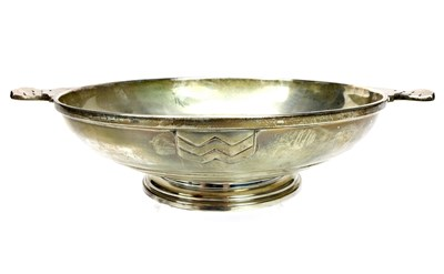 Lot 831 - A SILVER QUAICH SHAPED SILVER BOWL BY WALKER AND HALL