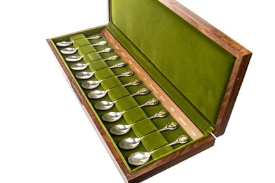 Lot 837 - A SET OF TWELVE ROYAL HORTICULTURAL SOCIETY SILVER SPOONS