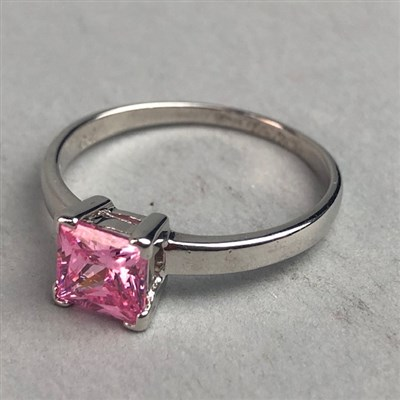 Lot 302-PINK GEM SET RING
