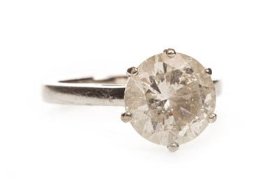 Lot 81-A DIAMOND SOLITAIRE RING