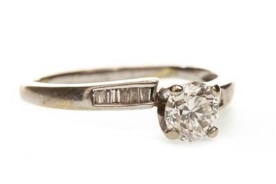 Lot 161-A DIAMOND DRESS RING
