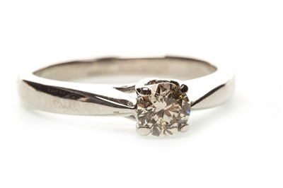 Lot 6-A DIAMOND SOLITAIRE RING