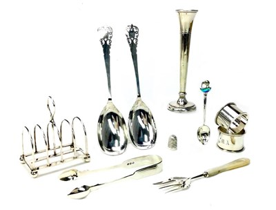 Lot 848 - A SILVER TRUMPET VASE AND OTHER SILVER ITEMS