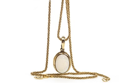 Lot 19-AN OPAL PENDANT ON CHAIN