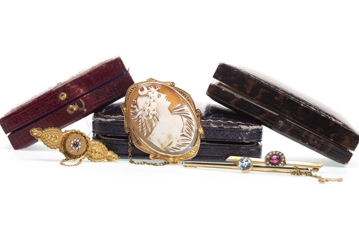 Lot 14-A VICTORIAN CAMEO BROOCH AND THREE OTHER BROOCHES