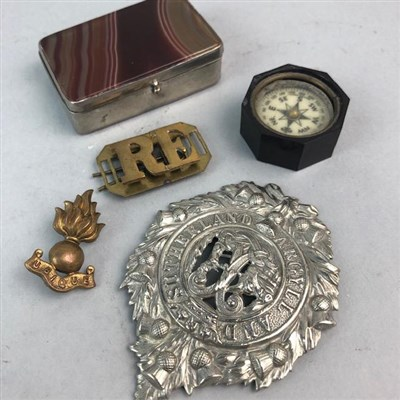 Lot 2-A LOT OF MILITARY BADGES AND AN AGATE BOX
