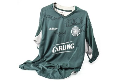 Lot 1810-A CELTIC FOOTBALL CLUB JERSEY SIGNED BY BERTIE AULD, BILLY MCNEILL & TOMMY GEMMELL