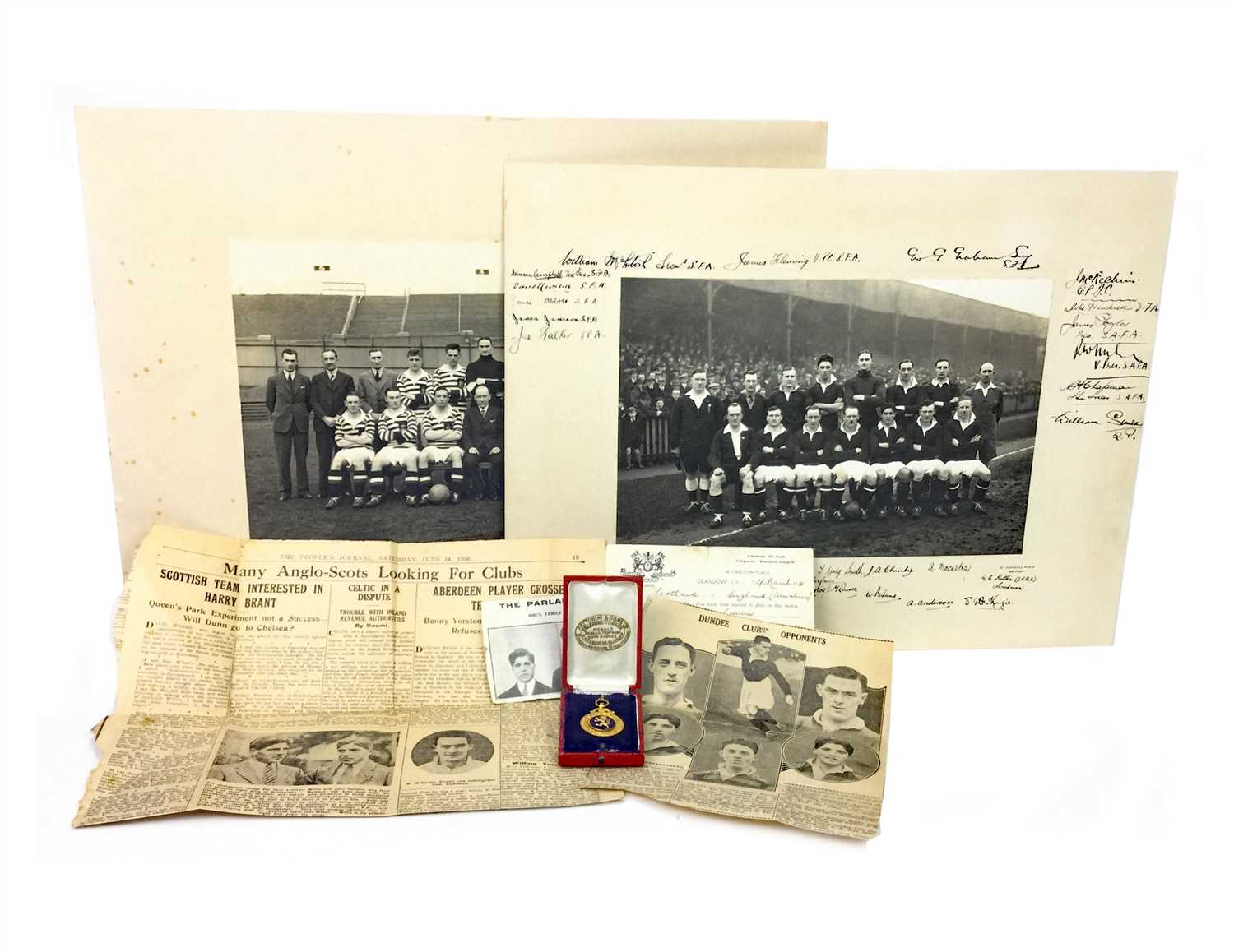 Lot 1800-A GOLD SCOTLAND V ENGLAND AMATEUR FOOTBALL MEDAL AWARDED TO WILLIE PARLANE 1931