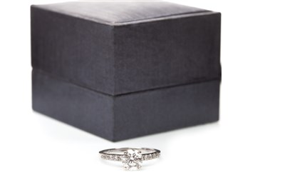 Lot 100A-A DIAMOND SOLITAIRE RING
