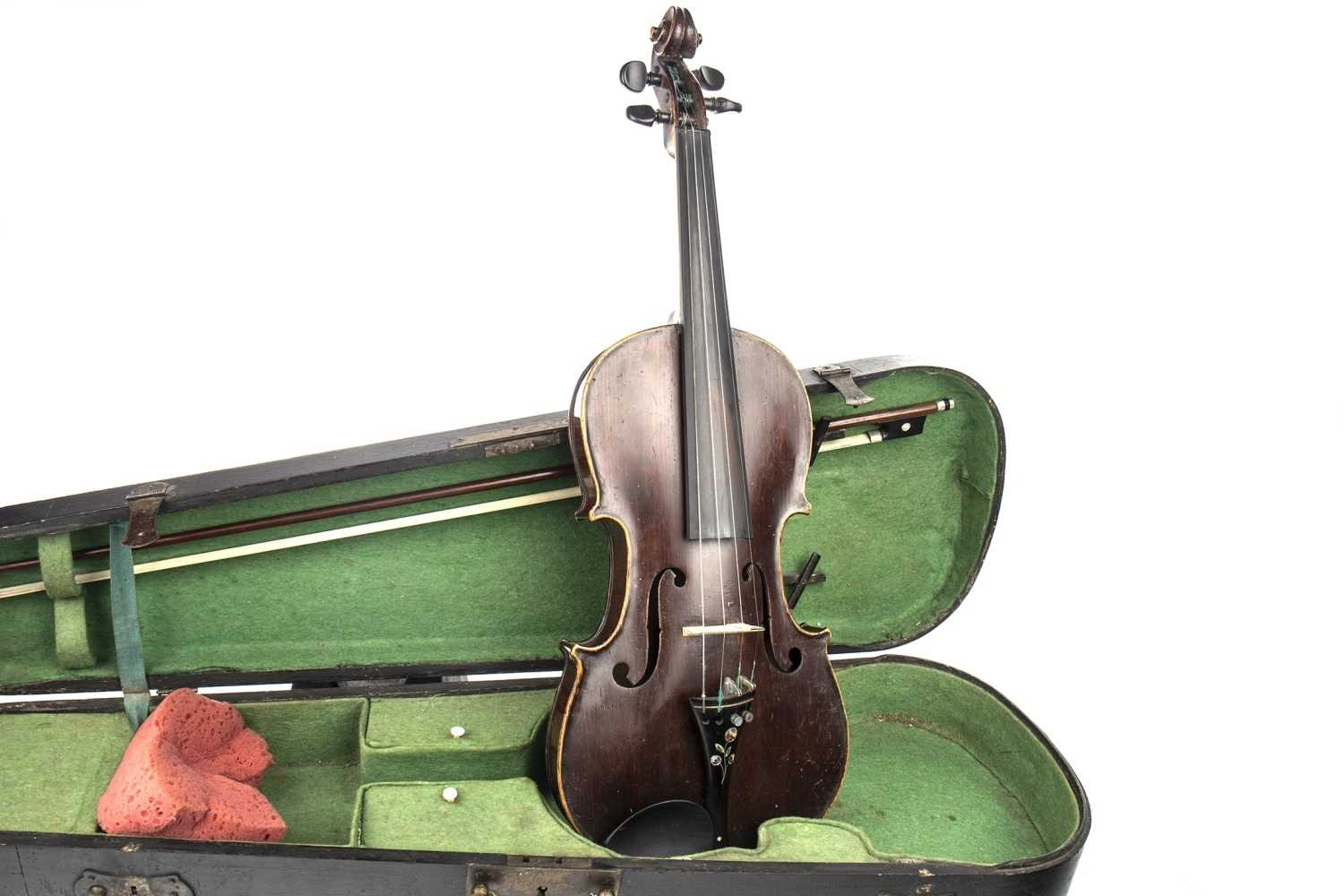 Lot 1439-AN EARLY 20TH CENTURY VIOLIN