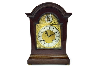 Lot 1434-AN EARLY 20TH CENTURY MAHOGANY MANTEL CLOCK