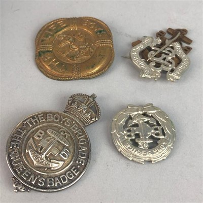 Lot 42-A GROUP OF MILITARY AND OTHER BADGES