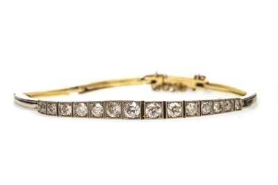 Lot 54-AN EARLY 20TH CENTURY DIAMOND BRACELET