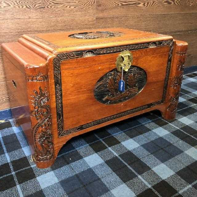 Lot 1008-A CHINESE CAMPHORWOOD BLANKET CHEST