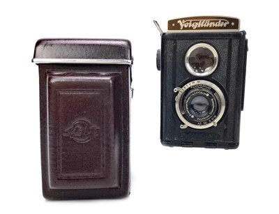 Lot 1453-A VOIGTLANDER 1453 BRILLIANT TWIN LENS REFLEX CAMERA