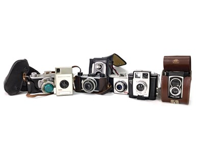 Lot 1464-A ROSS ENSIGN FUL-VUE SUPER TWIN LENS REFLEX CAMERA