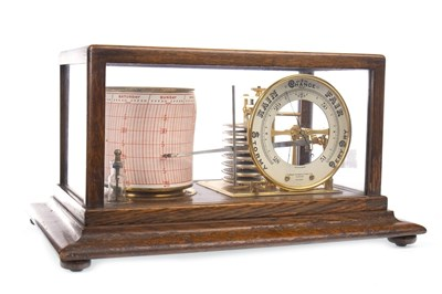 Lot 1441-AN EARLY 20TH CENTURY OAK BAROGRAPH