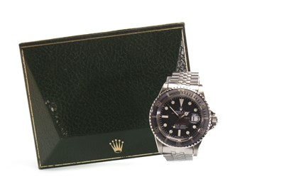 Lot 769 - A GENTLEMAN'S ROLEX SUBMARINER STEEL WATCH
