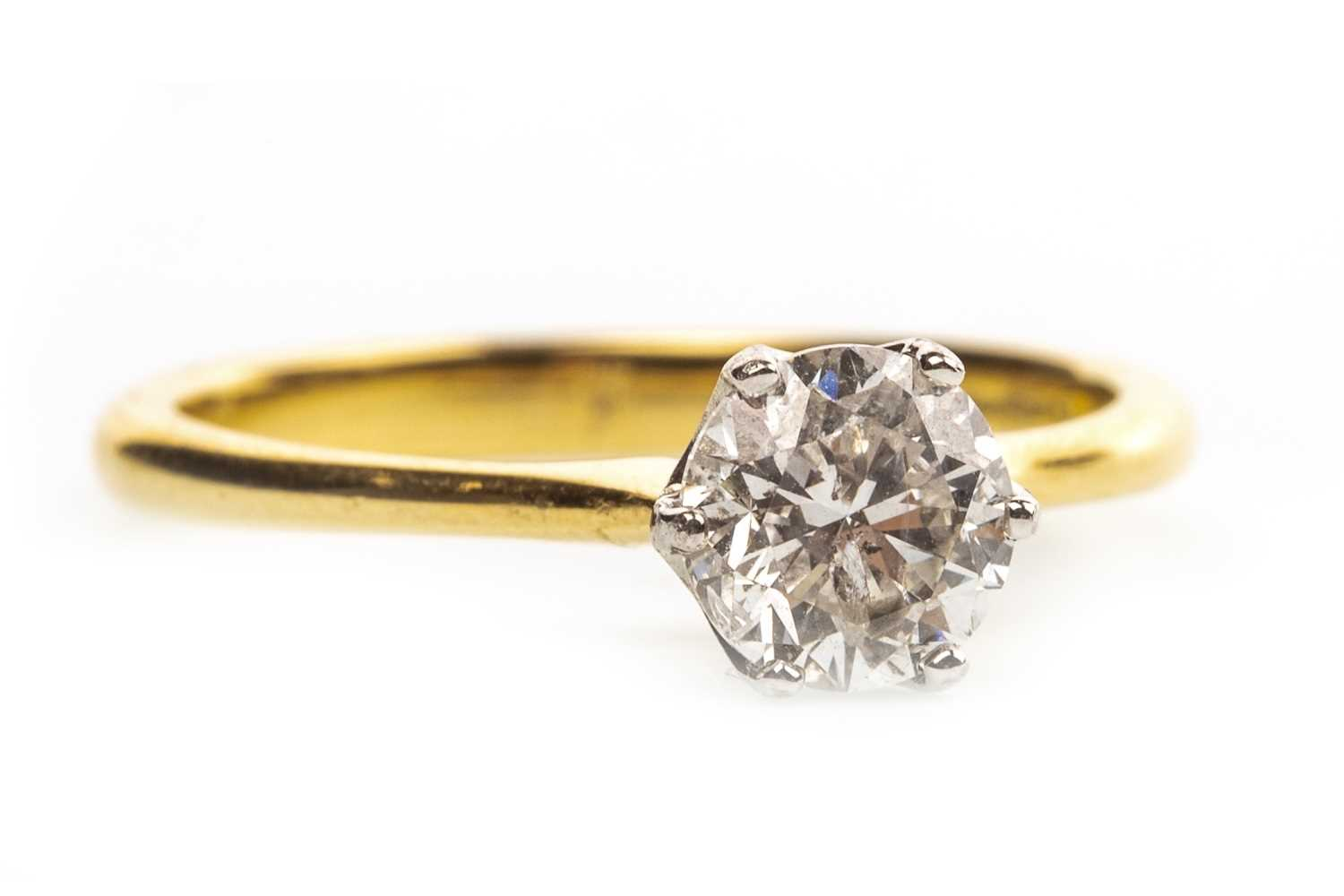 Lot 116-A DIAMOND SOLITAIRE RING