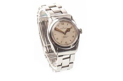 Lot 776-A ROLEX OYSTER WRIST WATCH 1940S