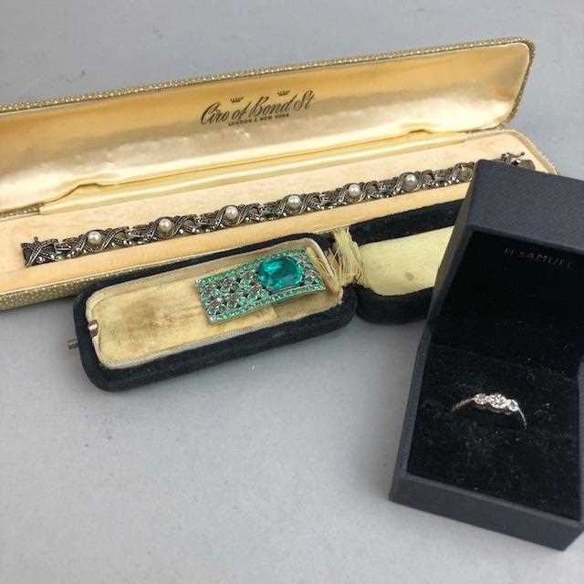Lot 10-A DIAMOND RING, BRACELET AND CLIP