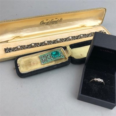 Lot 10-A DIAMOND RING, BRACELET AND CLIP