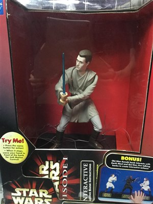 Lot 33 - A LOT OF STAR WARS BANKS AND MODELS