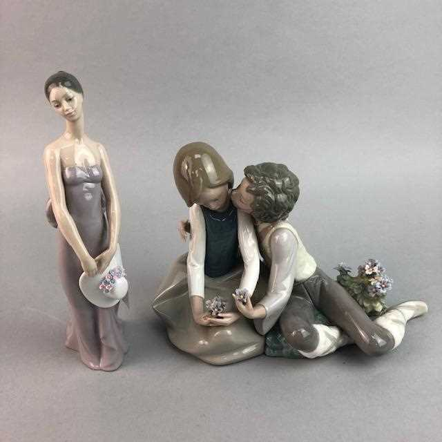 Lot 25-A LOT OF TWO LLADRO FIGURES