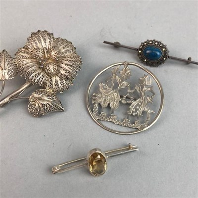 Lot 67 - A LOT OF VINTAGE SILVER AND OTHER BROOCHES