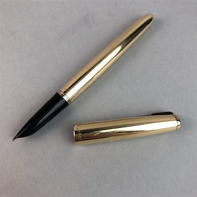 Lot 88 - A GOLD FILLED PARKER FOUNTAIN PEN