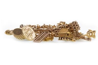 Lot 14-A GOLD LINK BRACELET