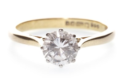 Lot 36-A DIAMOND SOLITAIRE RING