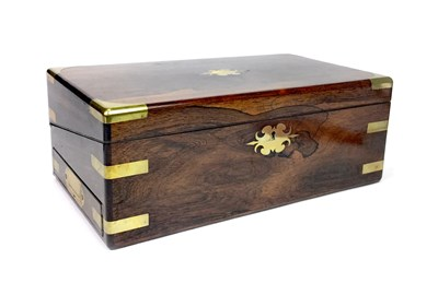 Lot 1624 - AN EARLY 20TH CENTURY ROSEWOOD AND BRASS MOUNTED PORTABLE WRITING BOX