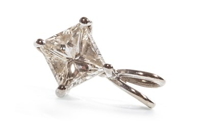 Lot 46-A DIAMOND PENDANT