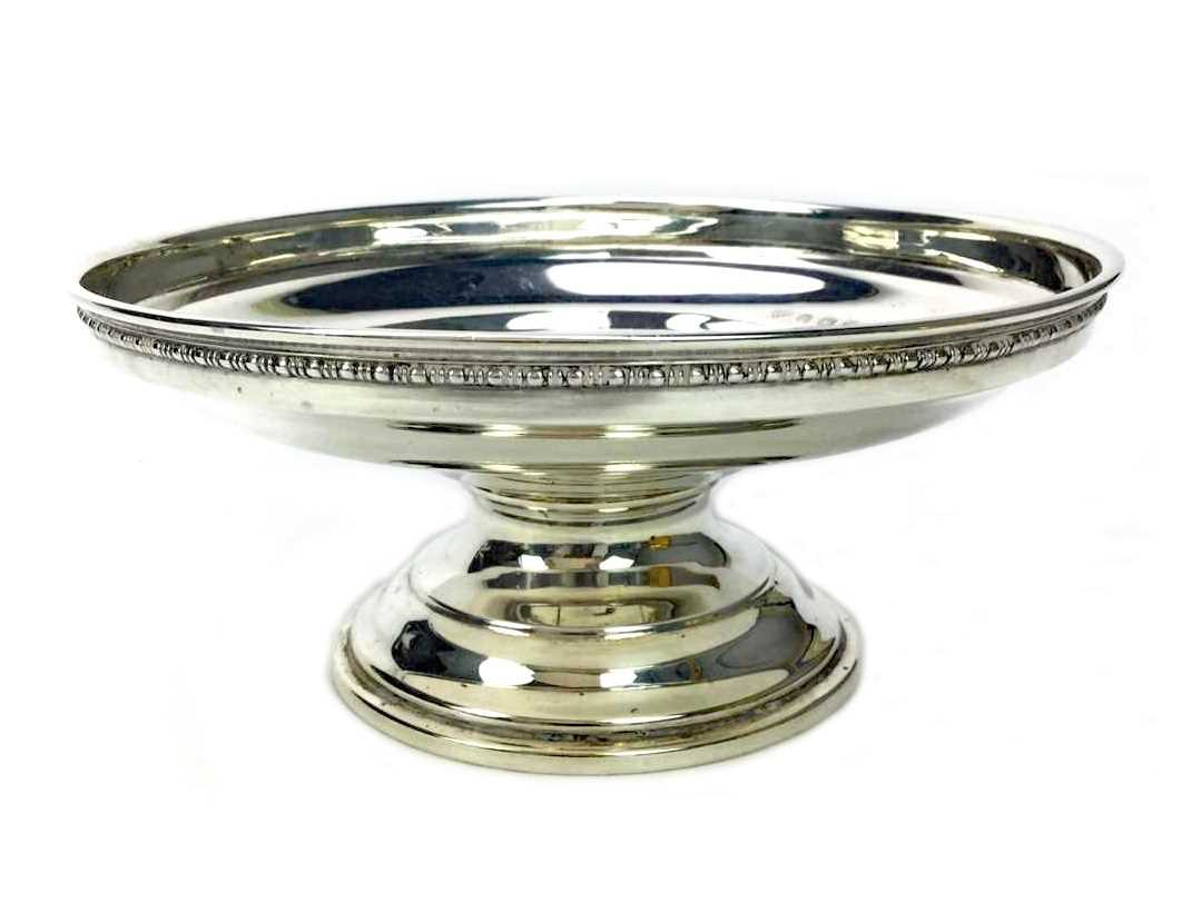 Lot 885 - AN EARLY 20TH CENTURY SILVER COMPORT