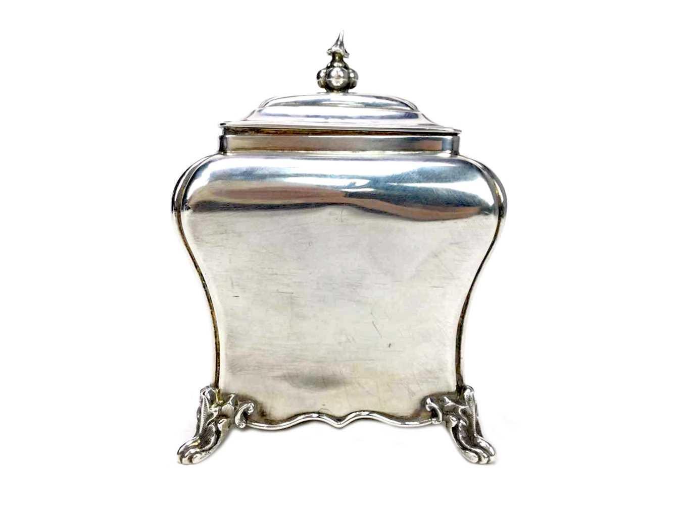 Lot 890 - A VICTORIAN TEA CADDY