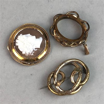 Lot 2-A VICTORIAN CIRCULAR CAMEO BROOCH AND OTHER JEWELLERY