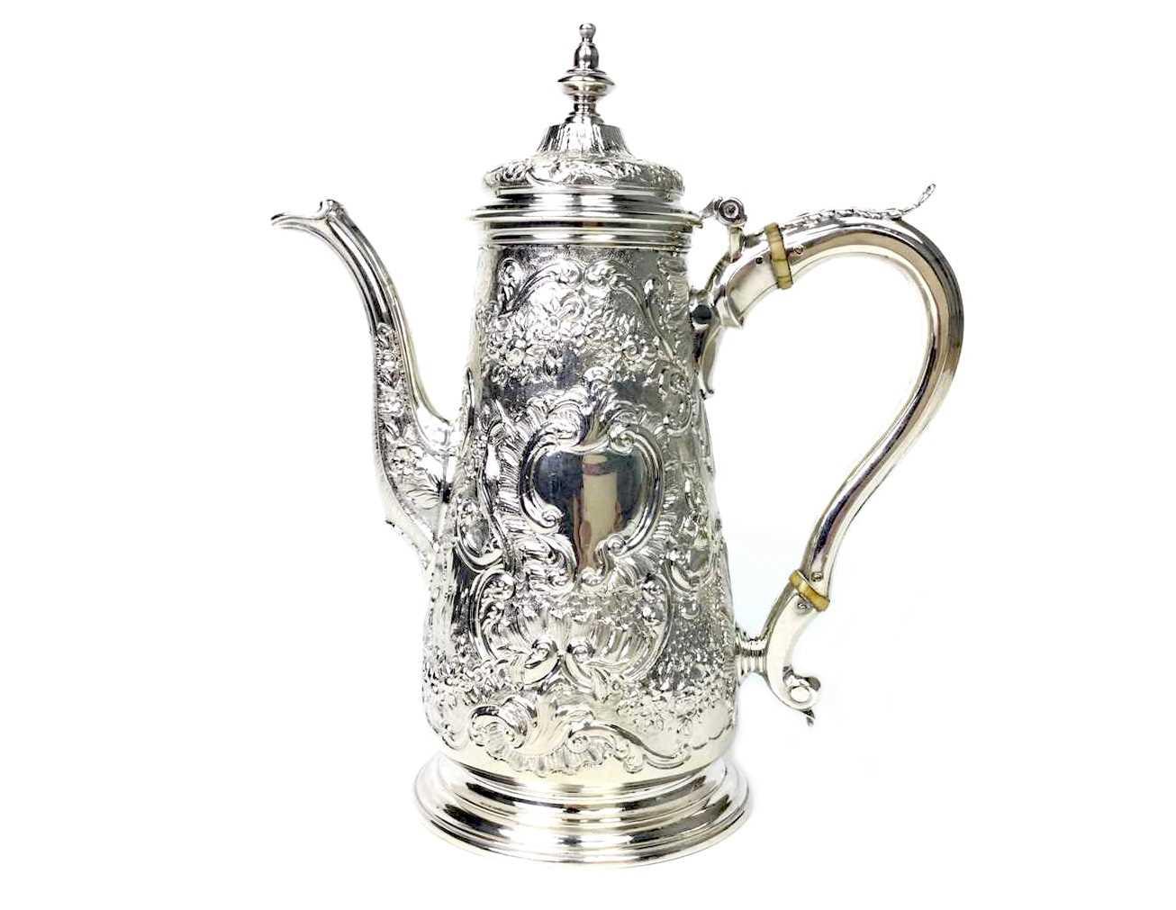 Lot 939 - A GEORGE III SILVER COFFEE POT