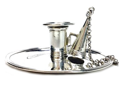 Lot 949 - AN GEORGE III SILVER CHAMBER CANDLESTICK