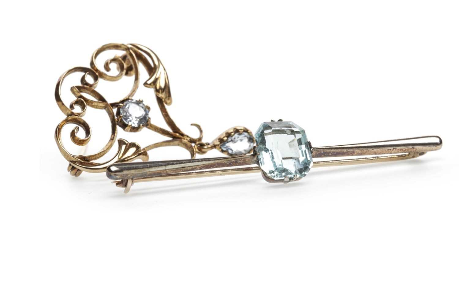Lot 21-TWO BROOCHES