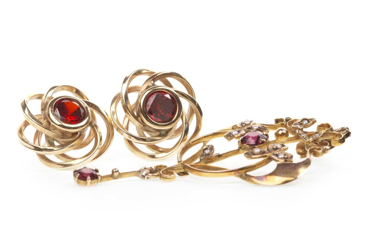 Lot 36-A PAIR OF RED GEM SET EARRINGS AND A PENDANT