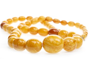 Lot 42-A GRADUATED BEAD NECKLACE