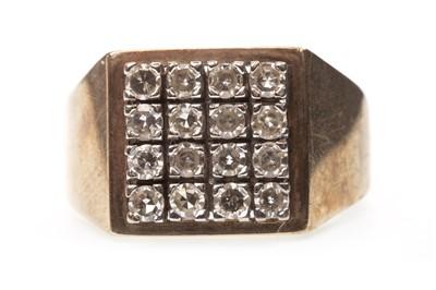 Lot 56-A GENTLEMAN'S DIAMOND RING