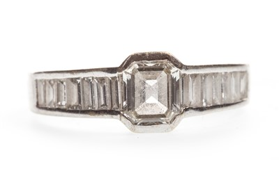 Lot 8-A DIAMOND DRESS RING