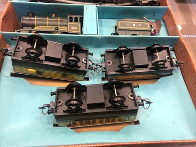 Lot 831-A HORNBY 'O' GUAGE PASSENGER SET
