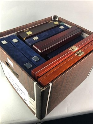 Lot 4-A LOT OF WESTMINSTER AND GLASS TOPPED COIN CASES